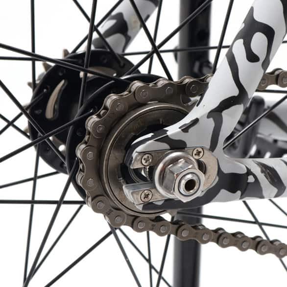 atmos-leader-bikes-735 スタイリング001