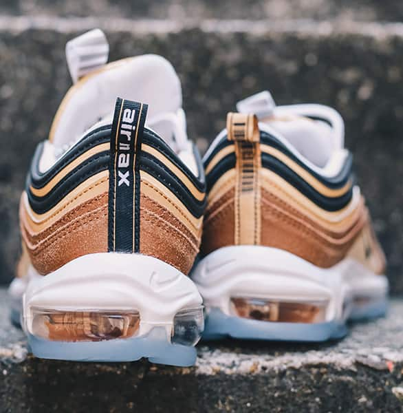 FEATURES NIKE AIR MAX 97 スタイル1