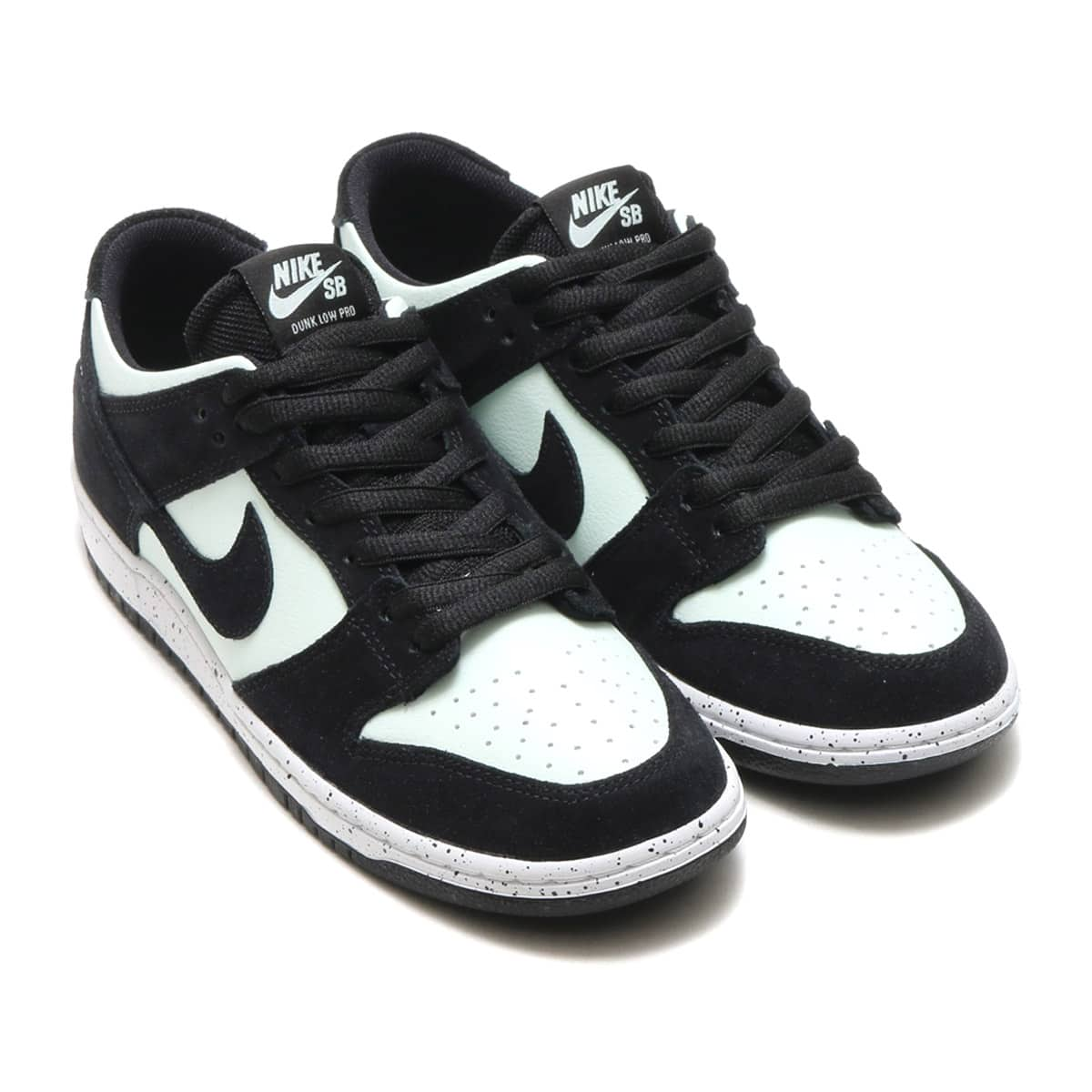 3cd22381a4a42 NIKE SB ZOOM DUNK LOW PRO BLACK BLACK-BARELY GREEN-WHITE photo large