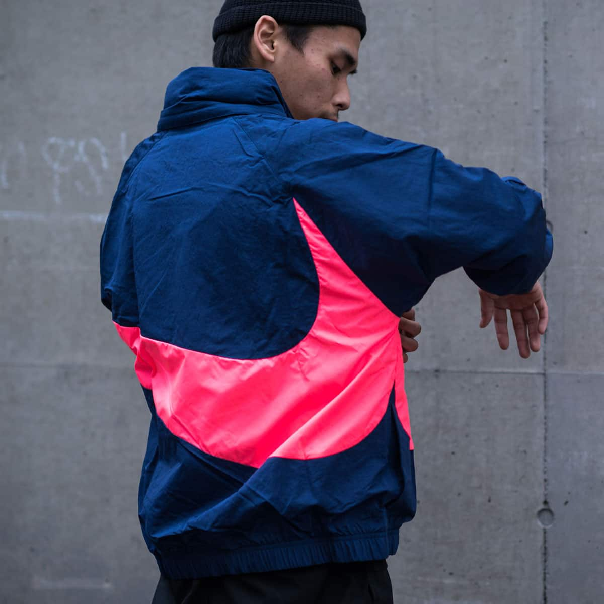 NIKE AS M NSW JKT HD ANRK QS  MIDNIGHT NAVY/HOT PUNCH_photo_large