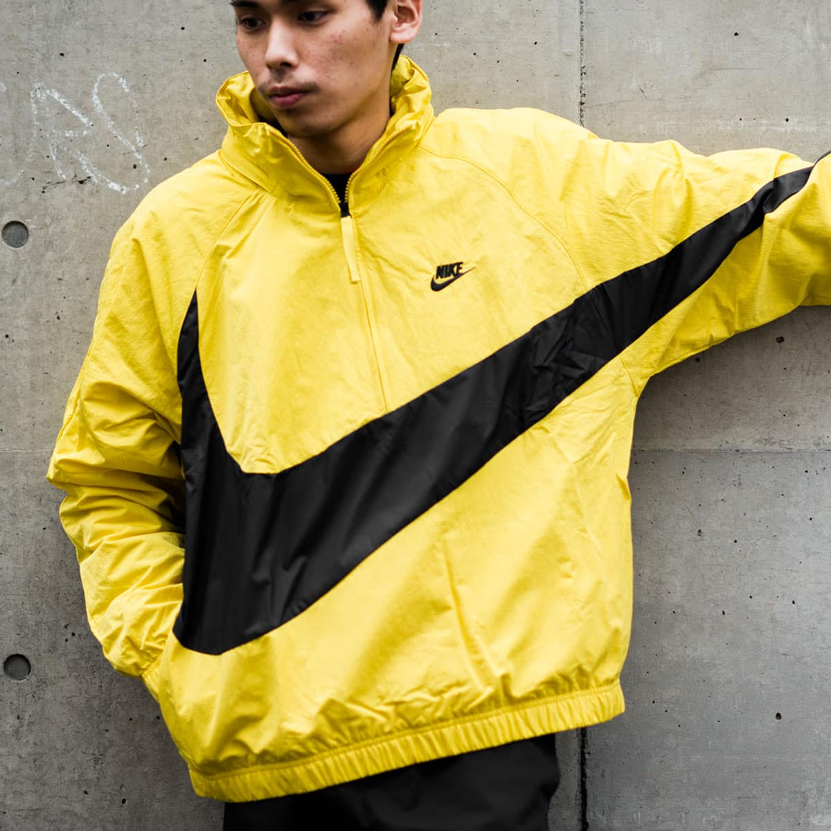 NIKE AS M NSW JKT HD ANRK QS  VIVID SULFUR/BLACK_photo_large