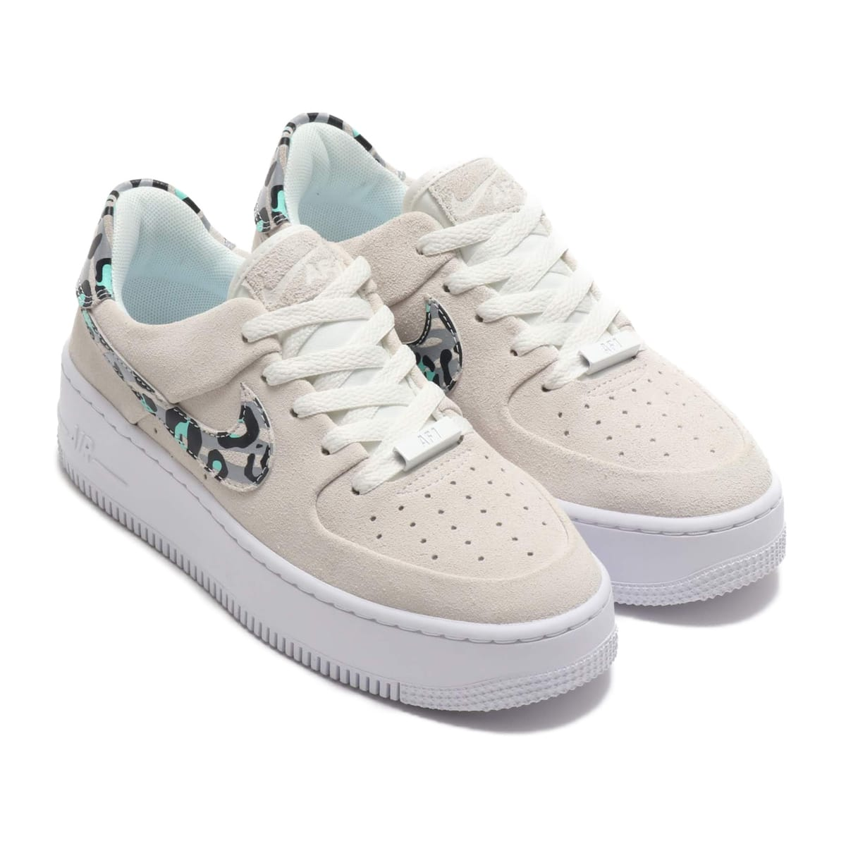 NIKE W AF1 SAGE LOW BLACK/TEAM GOLD-WHITE-BLACK 19HO-S_photo_large