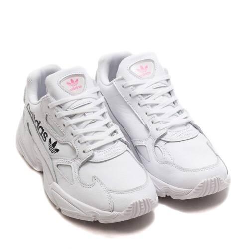 """adidas ADIDASFALCON W ランニングホワイト/ランニングホワイト/ブライトシアン 19SS-S"""